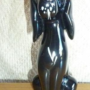 1950_s_black_dog_figure