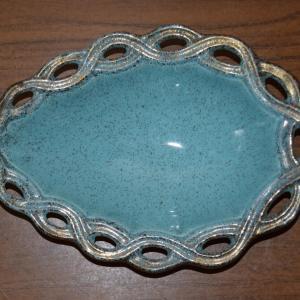 1950_s_california_pottery_blue_&_gold_dish