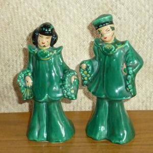 1950_s_pair_of_oriental_figures_in_greencu1