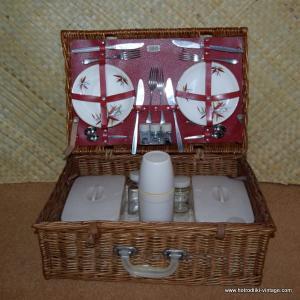 1960s sirram bamboo design picnic set in wicker case 10
