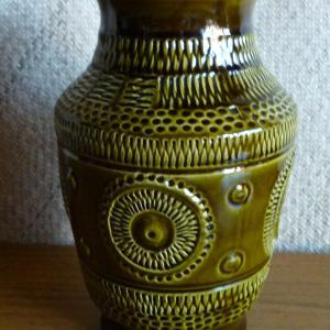 1970_s_west_german_545-25_vase