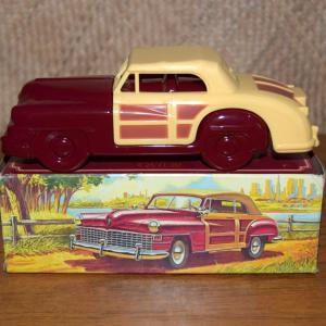 avon_48_chrysler_town_&_country_aftershave_bottle