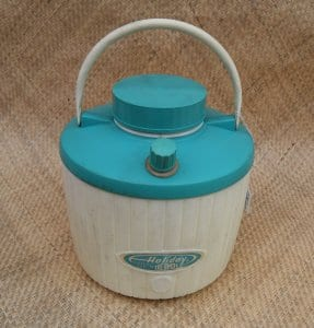 vintage_holiday_thermos_blue_&_white_coolercu1-001
