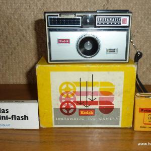 vintage_kodak_instamatic_100_camera_with_extras