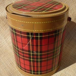 vintage_skotch_red_tartan_cooler_large