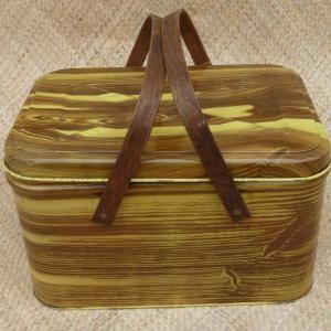 vintage_wood_effect_picnic_basketcu1