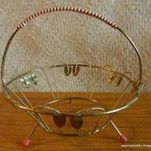 1950_s_large_wire_basket_holder