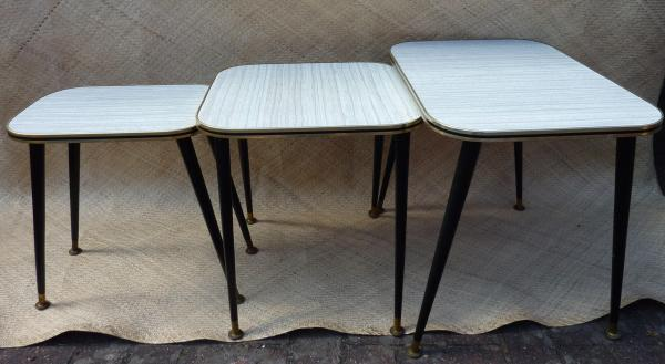 1950_s_nest_of_three_tables