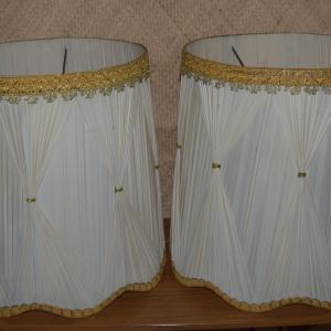 1950_s_white_&_gold_american_pair_of_lampshades