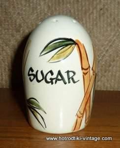 1950s_bamboo_sugar_shakercu1