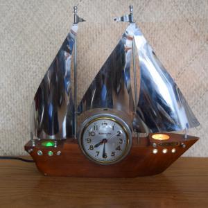 1950s_boat_american_tv_lamp_&_clock