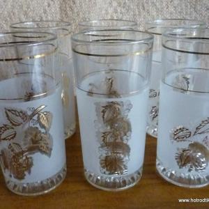 set_of_6_1960_s_grape_glasses