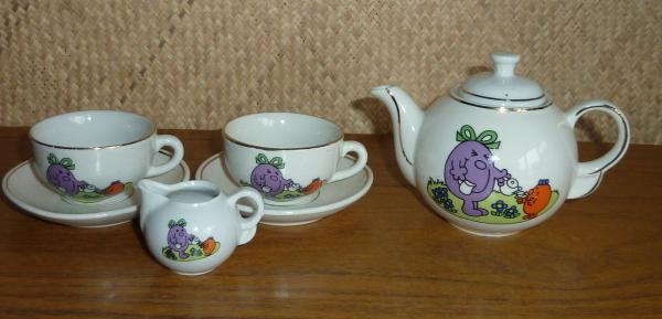 vintage_childs_little_miss_tea_set_