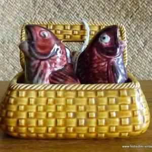 vintage_fish_in_basket_cruet_set