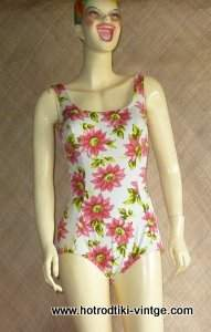 vintage_pink_flowered_swimsuit_cu1