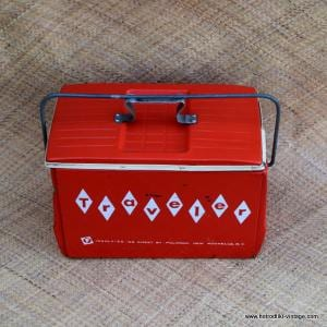 Vintage American Traveler Ice Chest 1