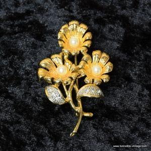 Vintage Flower Diamante and Pearl Brooch 1