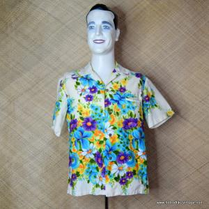 1960's Mens Vintage Kimos Cream Floral Hawaiian Shirt 1