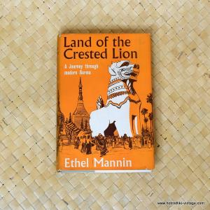 1961 Land of the Crested Lion by Ethel Mannin book 1